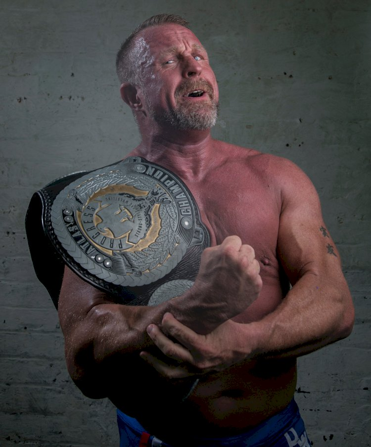 Former TNA star Doug Williams announces he's coming out of retirement.